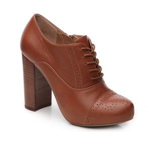 Crown Vintage Tessford leather chunky heel sz 6.5